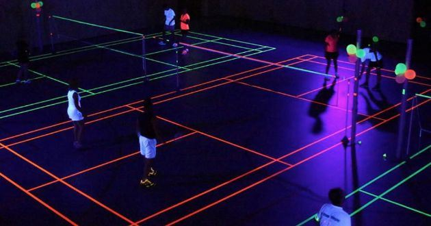 Blacklight badmintonavond